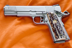 1911 stag pistol grips   Each Custom knives is a masterpiece sold at